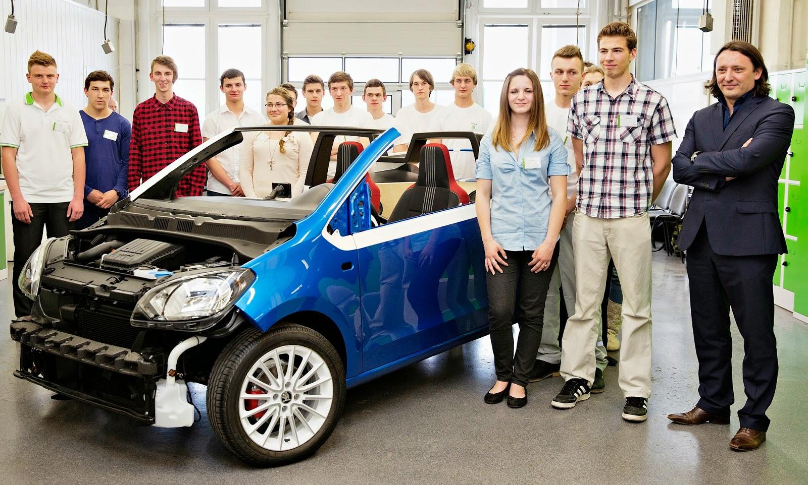 39 skoda azubi car 39 zweisitziges sport cabrio feiert. Black Bedroom Furniture Sets. Home Design Ideas