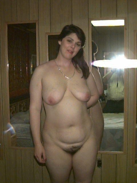 Brunette bbw ass spread