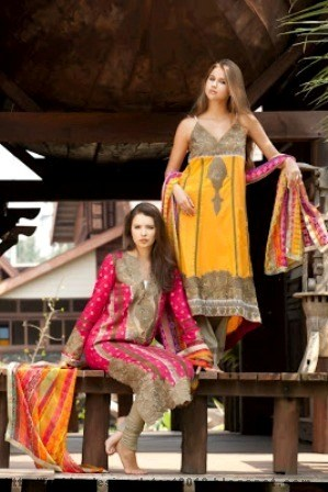 Firdous-Lawn-for-Girls