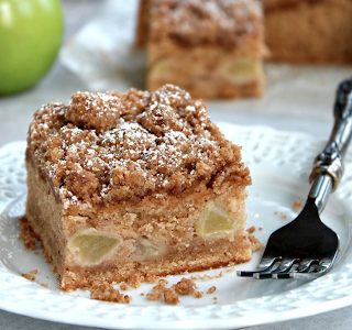 Apple Cinnamon Crumb Cake Recipe