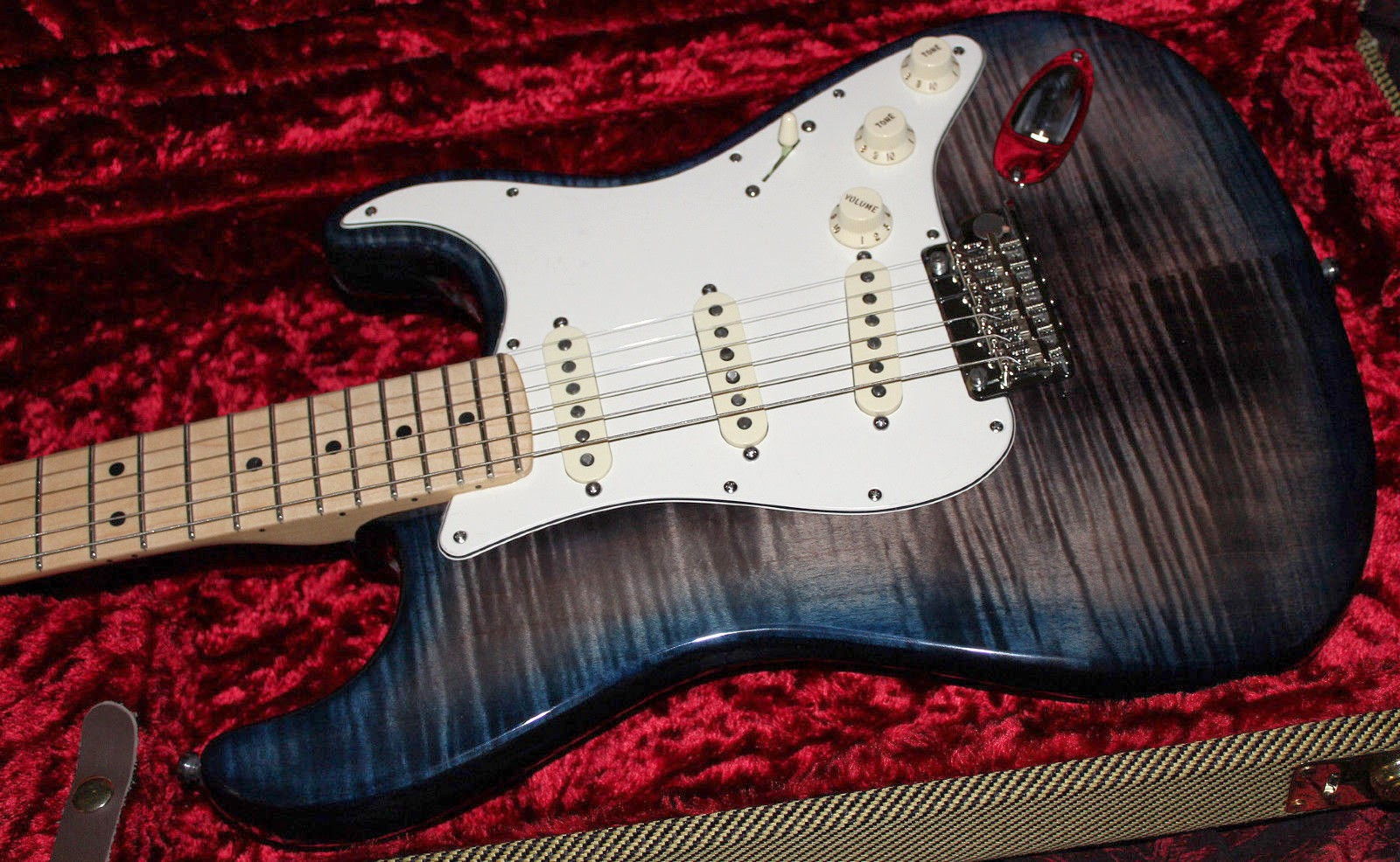 Fender Select FSR Black Blue Beige Burst Fade Strat