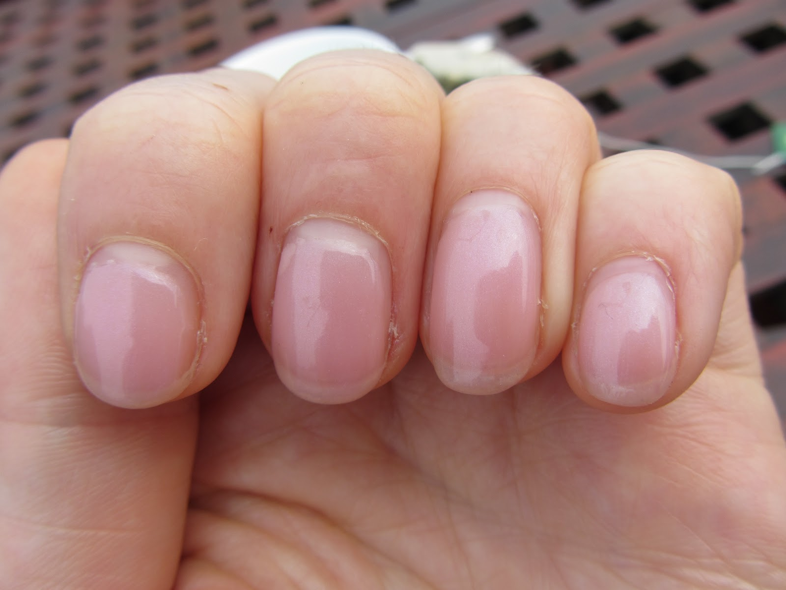 Shellac cnd beau на ногтях