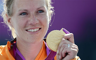 London 2012 Paralympic Games : Esther Vergeer won a record fourth consecutive gold