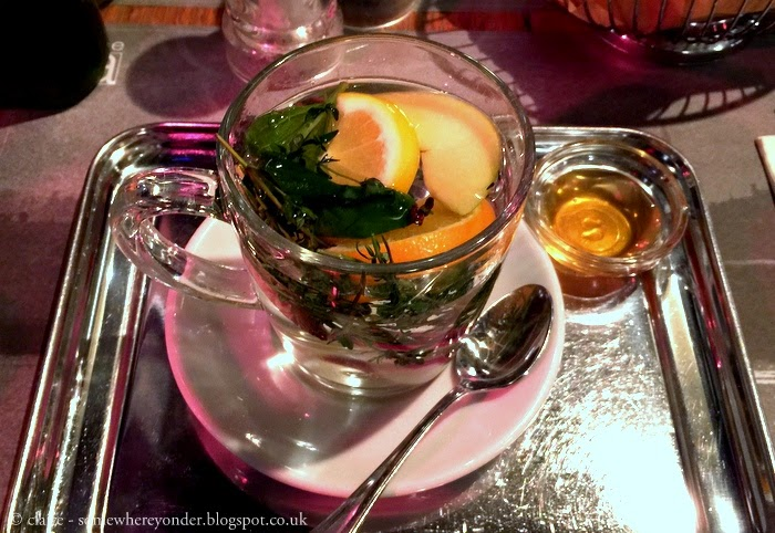 Winter tea at Kafe Ara - Istanbul, Turkey