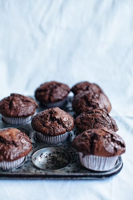 muffin al cioccolato e noci / muffins with chocolate and nuts