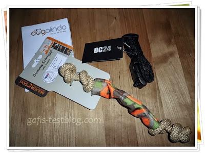 Hunde- Box Inhalt - Halsband und Spielzeug