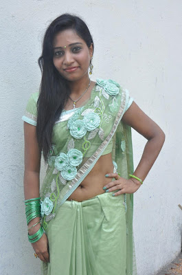 kayavan in saree cute stills