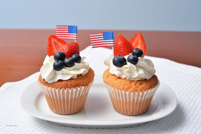 4th of July cupcakes patriotic star-spangled