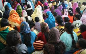Oito cristãos são presos por orar em local público