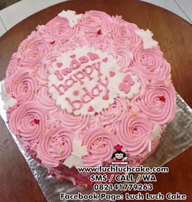 Kue Tart Pink Ombre Daerah Surabaya - Sidoarjo