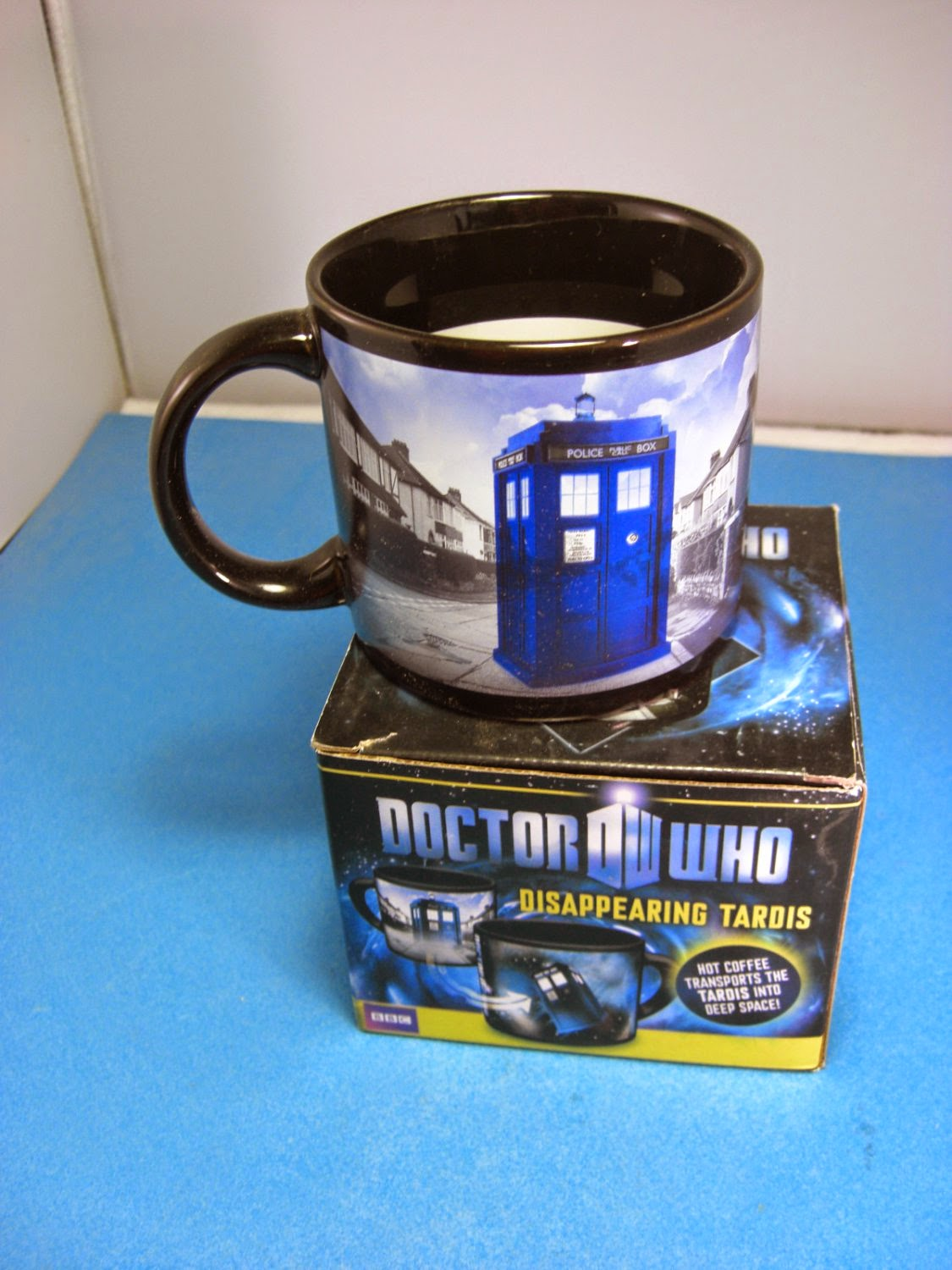 http://bargaincart.ecrater.com/p/20527953/doctor-who-disappearing-tardis-coffee?keywords=doctor