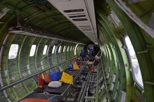 Interior de un avión desmontado