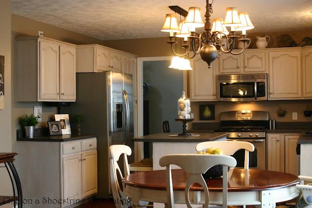 Remodelaholic Glazed Kitchen Cabinet Update