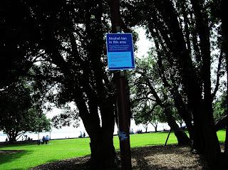Cartel prohibido el alcohol, Darwin, Australia, vuelta al mundo, round the world, La vuelta al mundo de Asun y Ricardo