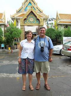 Templo Buda de Oro, Wat Trimitr, Bangkok, Tailandia, Tahilandia, vuelta al mundo, round the world, La vuelta al mundo de Asun y Ricardo