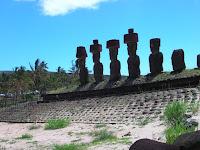 Ahu Nau Nau, Anakena, Ahu Nau Nau en playa Anakena, Isla de Pascua