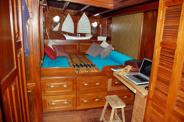 Main state room with double berth and drawers  :