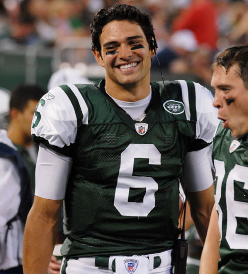 Mark+Sanchez+Picks+Nose.jpg