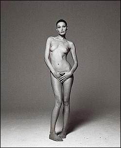 Carla Bruni nue_Carla Bruni naked_Michel Comte