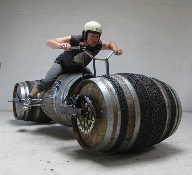 http://3.bp.blogspot.com/_-4FXZeOz9rc/TG49At-EFEI/AAAAAAAAHt0/mI6lDUcYCjI/s1600/funny-superbike_01.jpg