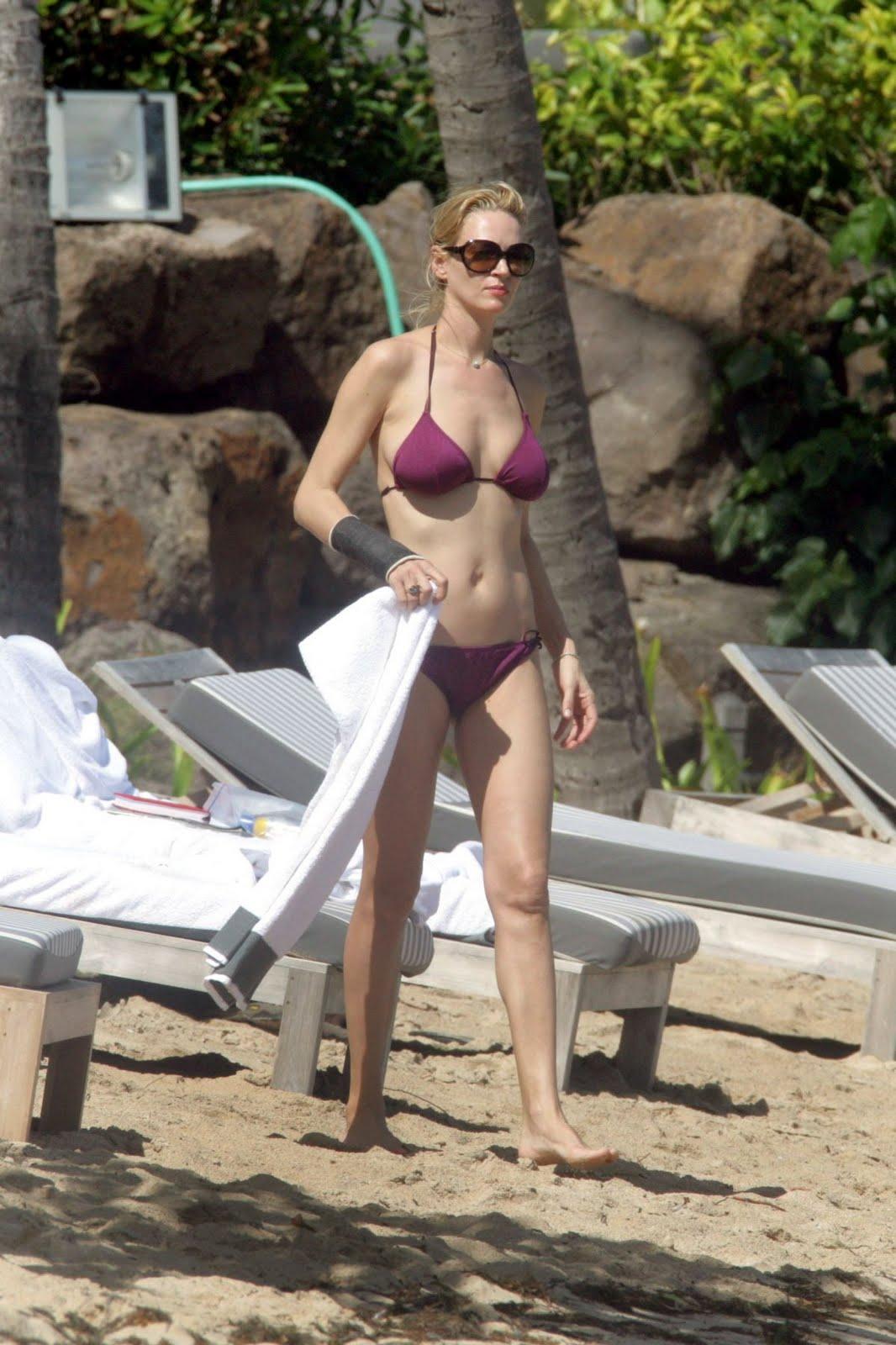 http://3.bp.blogspot.com/_-87Ncg74YHg/S_BrLMKsPMI/AAAAAAAAAKg/oPuhNbYYOMo/s1600/uma-thurman-bikini-1-11.jpg