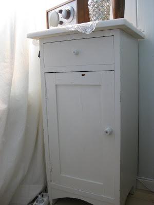 ... måtte altså denne vike plassen for en ny lys grønn vaskeservant