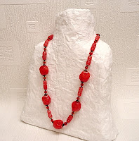 Totally tutorials tutorial how to make a recycled paper for How to make paper mache jewelry