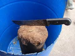 Utilização proibida de cepo de madeira.