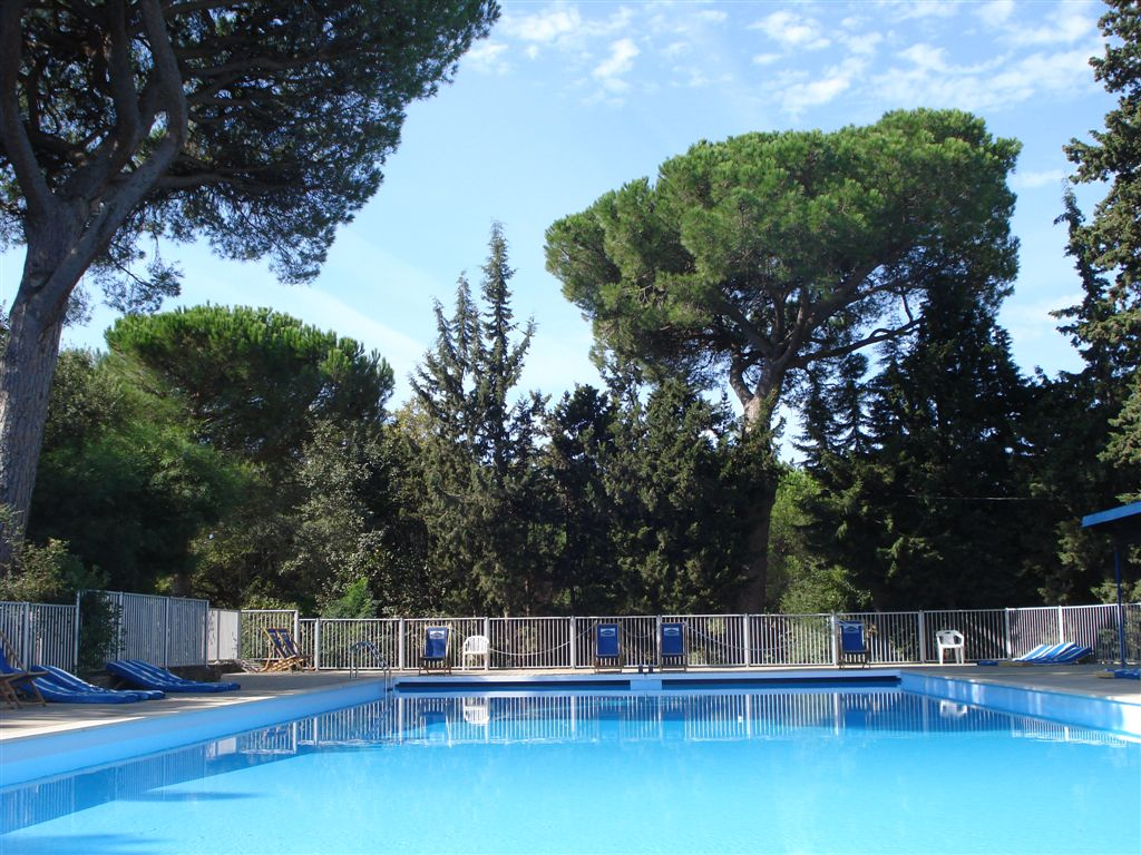 Les rives de beauvallon piscine du domaine location for Piscine sainte maxime