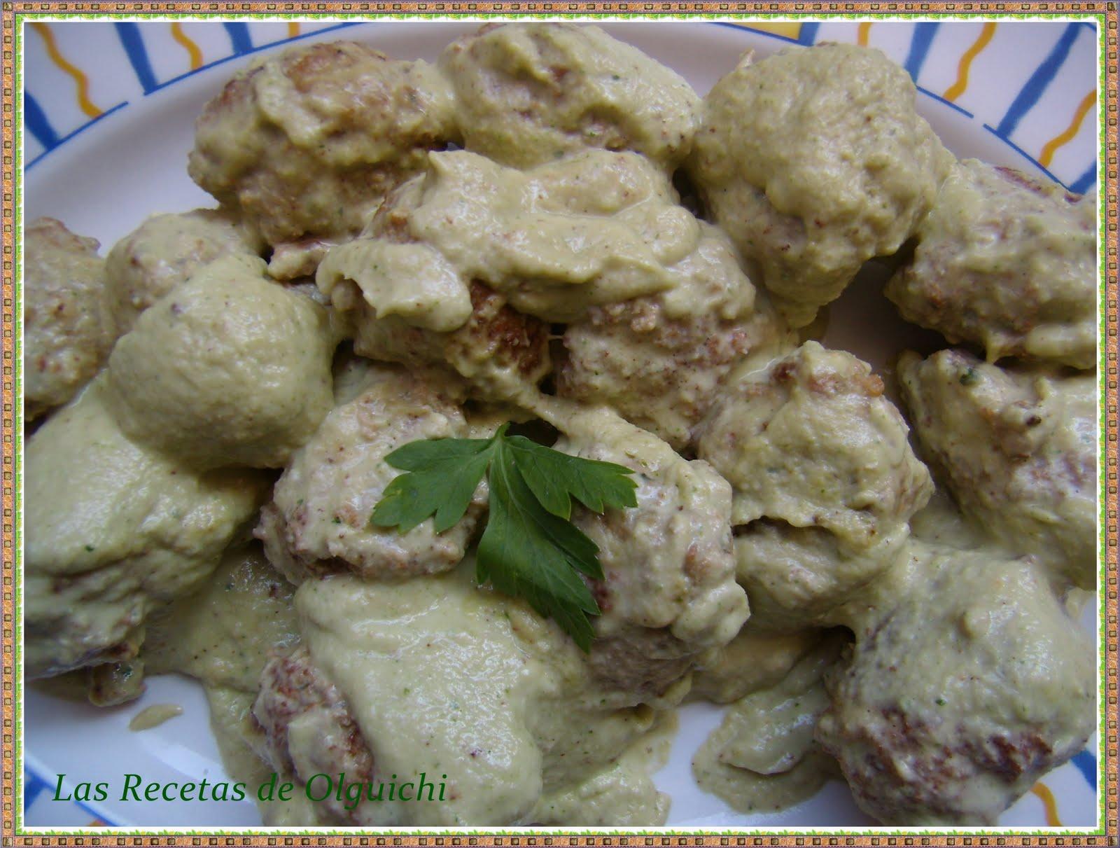 Albóndigas de pollo con anacardos