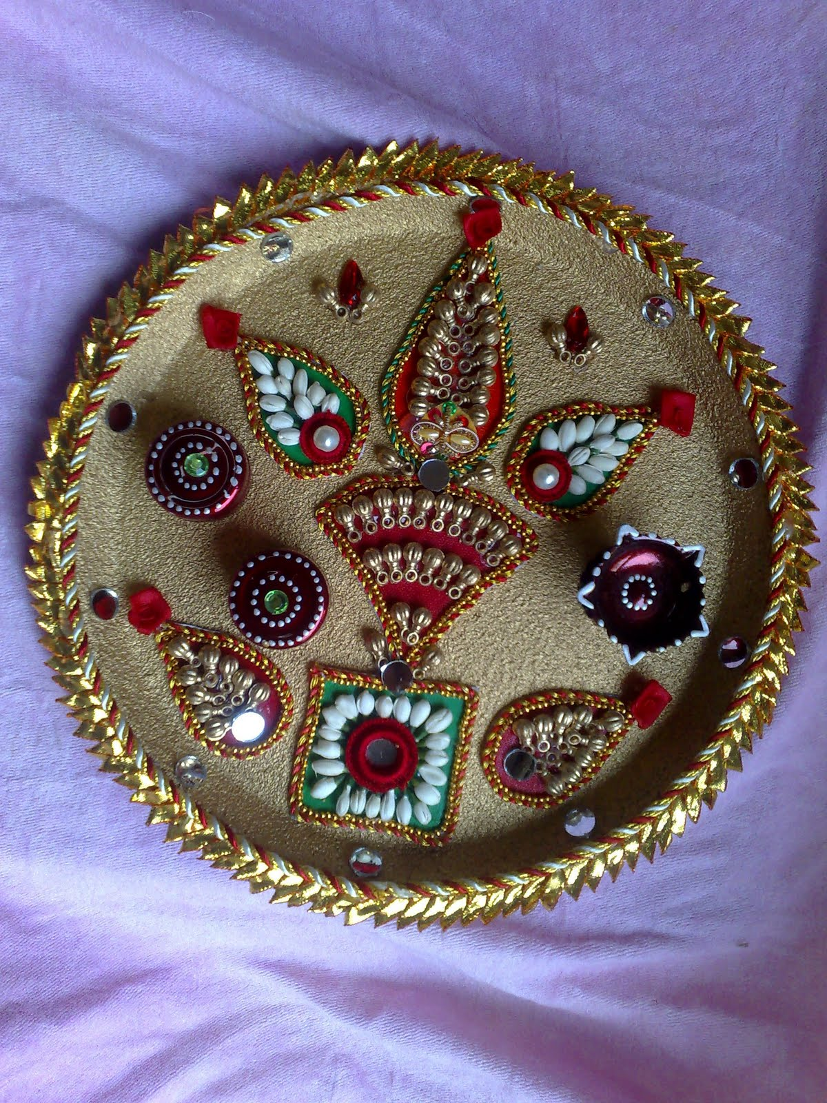 Ranjana arts www ranjanaarts com rakhi thali decorative for Aarti thali decoration pictures navratri