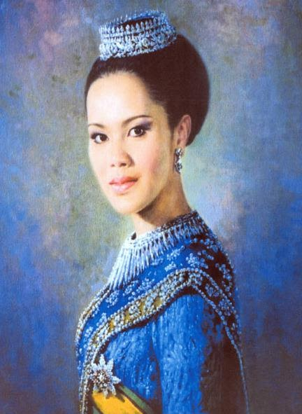 the mad monarchist  consort profile  queen sirikit of thailand