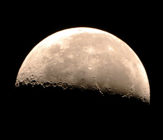 La luna luna fase cuarto menguante for Que es luna creciente