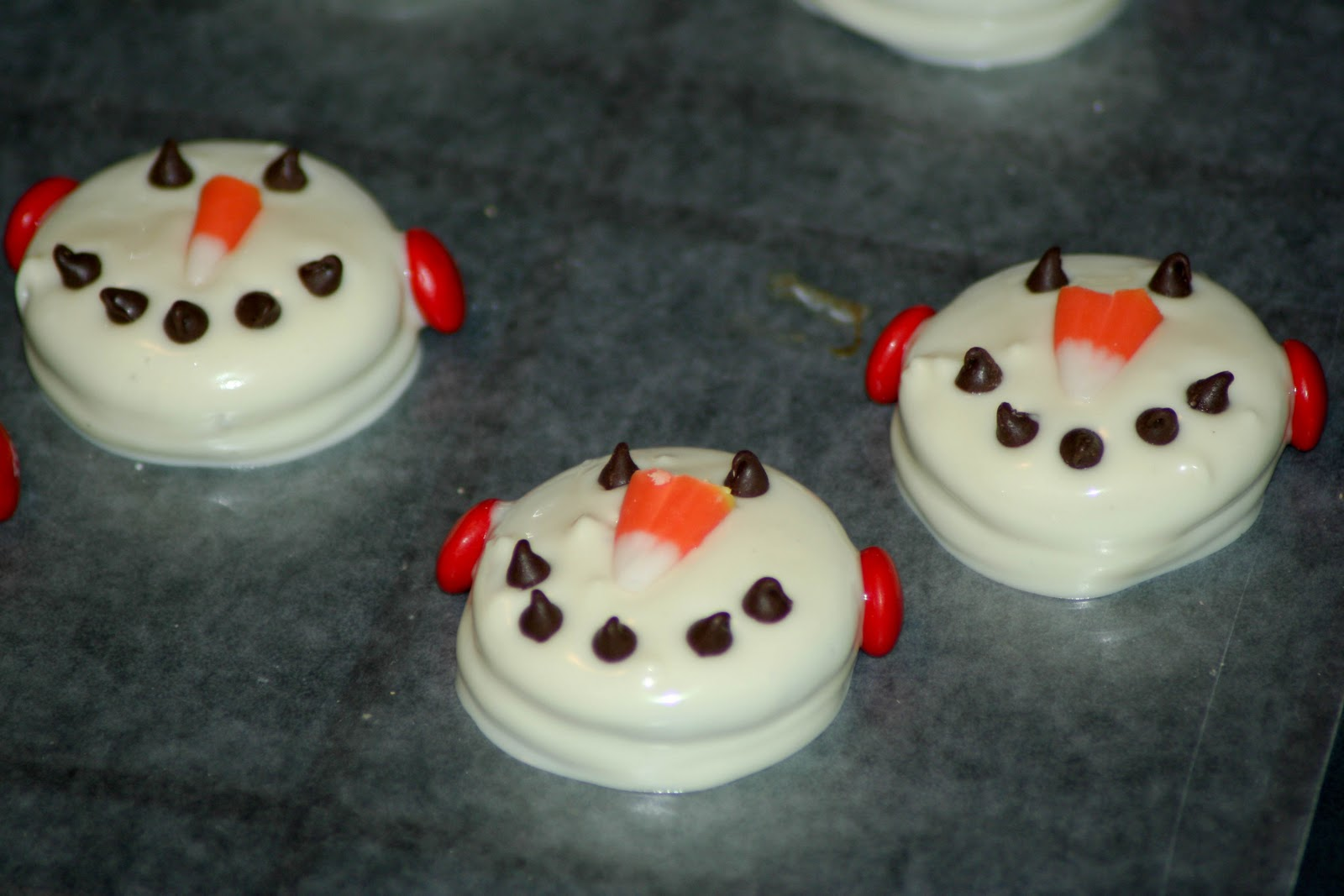 The Sassy One 25 Days Of Christmas Cookies Snowmen Faces