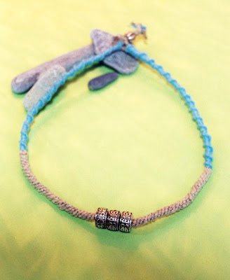 blue hemp choker, hemp necklace, hemp crafts, DIY jewellery, hemp jewellery, macrame jewellery