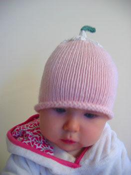 daisy hat on2
