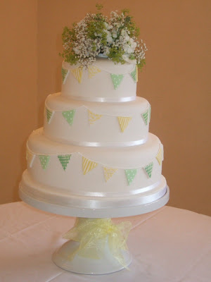 yellow gingham summer dresses and making their stunning wedding cake