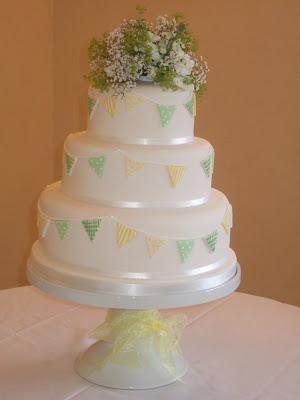yellow gingham summer dresses and making their stunning wedding cake