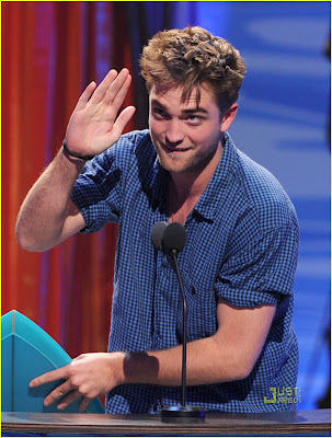 Robert Pattinson Awards on Twistar  Robert Pattinson At The Teen Choice Awards