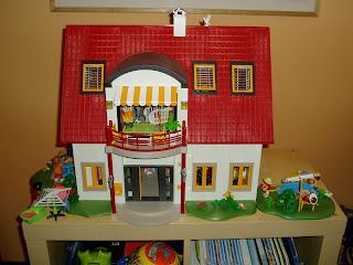 Rodriplay casa moderna al reves de playmobil for Casa moderna 123 playmobil