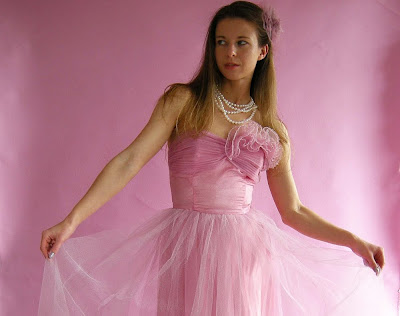 Pin-up Glam to Groovy Kitsch: Free Vintage 50s Prom Dress :  vintage clothes free retro blog