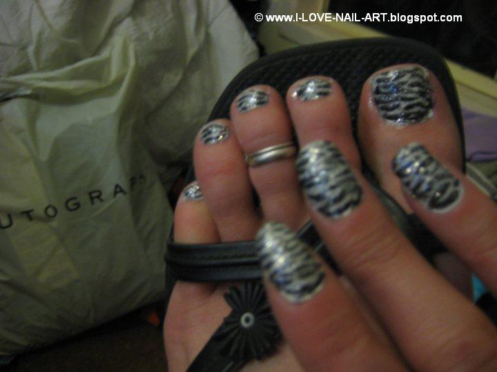 Zebra Print Nails and Toes ~ i ♥ ηαiℓ αяt