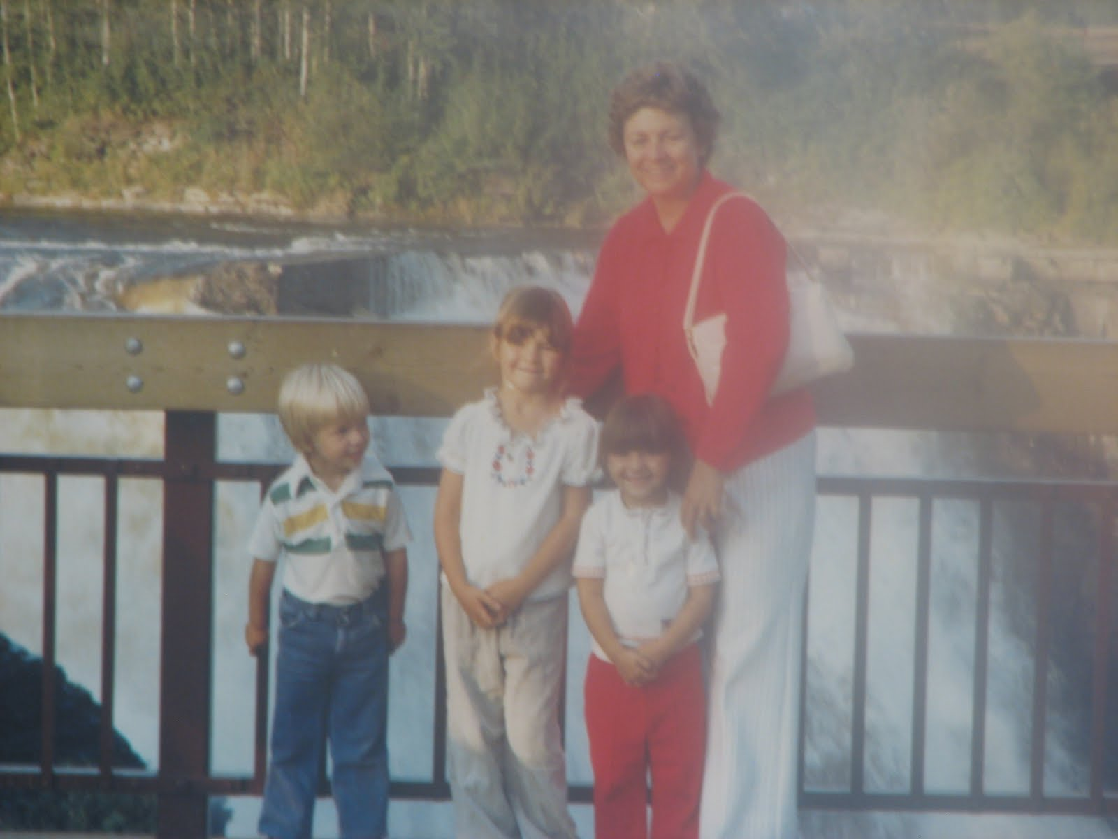Acting Balanced: Sunday Family Stories - Saskatchewan Memories