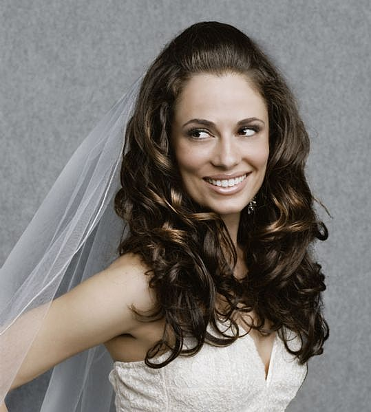 hairstyle for bridesmaids