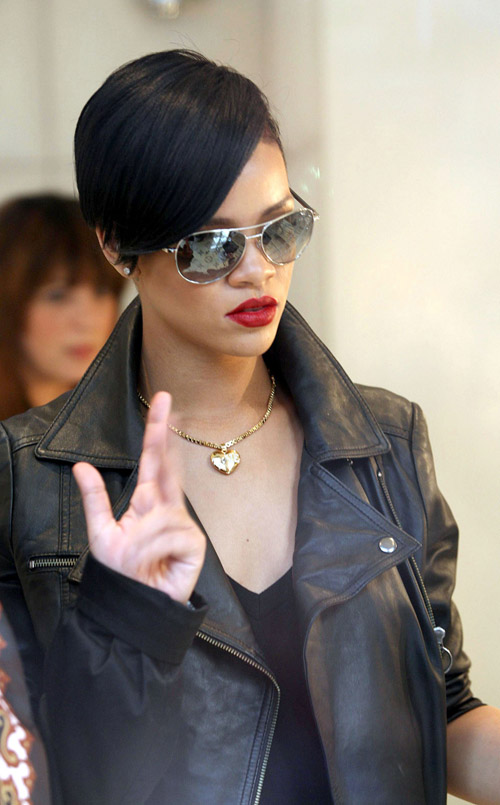 Rihanna wearing a short sleek chic hairstyle