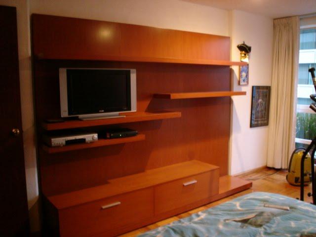 Estrada dise os en madera muebles para tv wall tv for Disenos de muebles de tv