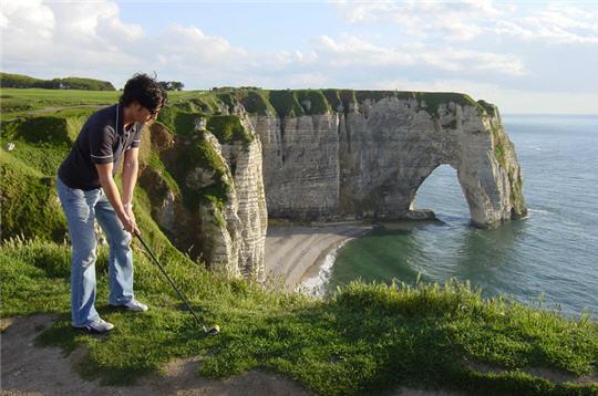 Ryder cup et le bonheur du golf vu du ciel etretat - Les portes d etretat maniquerville ...