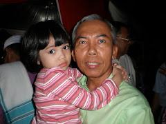 Zul Linggi mendukung anaknya
