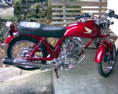 HONDA+CB+100+CLASSIC+STYLE Modifikasi Motor Honda CB 100 Merah Krom Antik Knalpot GL