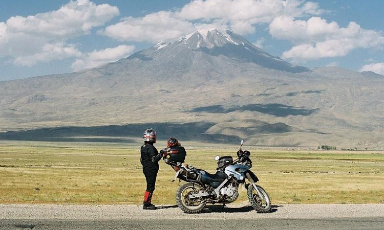 Motosiklete Bin Oğlum